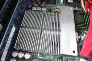 aw--apollo--2014-04-03--09--chipset-heatsink-mounted.jpeg